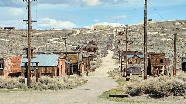 the ghost town of bodie - california - город призрак стоковые фото и изображения