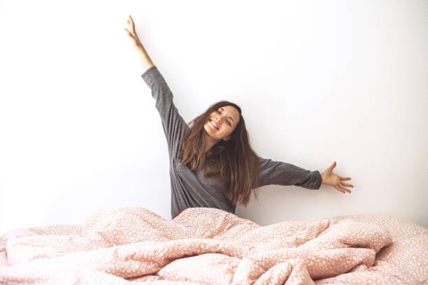 Das Mädchen wachte auf – Foto