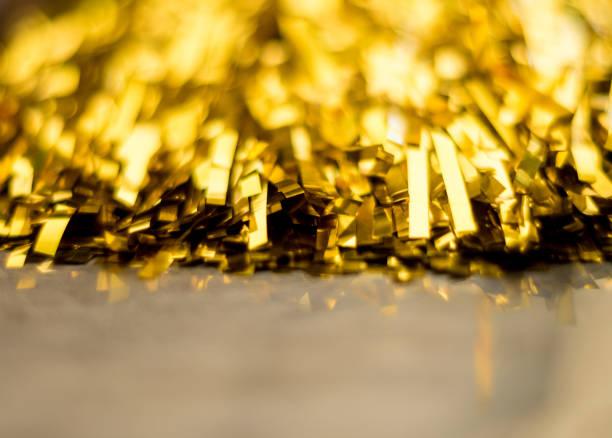 de gouden kleur van kwastje sport cheer - pompon stockfoto's en -beelden