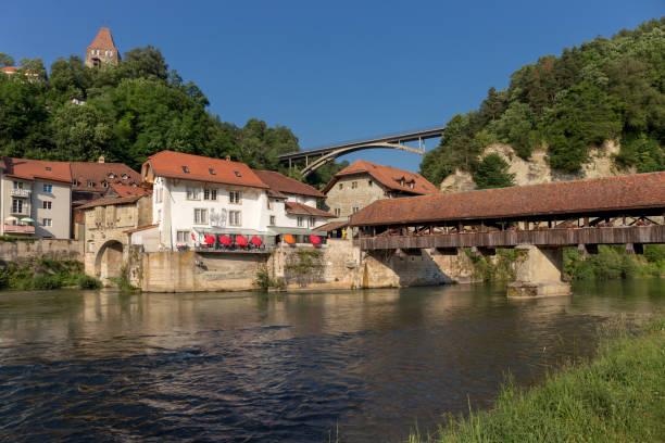 Le pont de Gotteron et le pont de Berne - Fribourg - Suisse - Photo