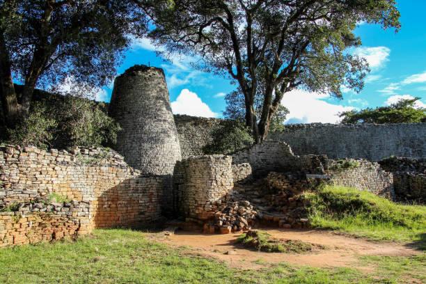 大きいジンバブエはジンバブエのマシンゴ外遺跡します。 - 遺跡 ストックフォトと画像