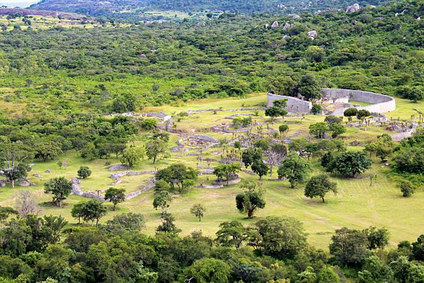 the great zimbabwe ruins - harabe stok fotoğraflar ve resimler