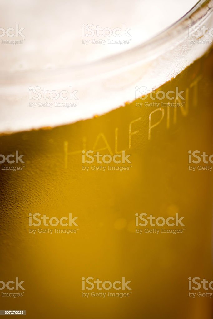 The Half Pint engraving on  the side of a pint beer glass – zdjęcie