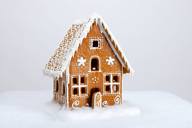 Die handgefertigten eatable Lebkuchenhaus und Schnee Dekoration – Foto