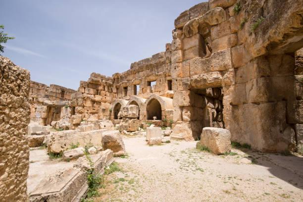 Der Sechseckhof. Die Ruinen der römischen Stadt Heliopolis oder Baalbek im Beqaa-Tal. Baalbek, Libanon – Foto