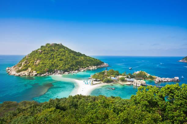 Der höchste Aussichtspunkt der Insel nangyuan bei koh tao thailand auf wunderschönem Hintergrund der Naturlandschaft – Foto