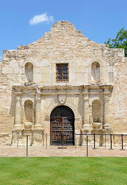 the historic alamo, san antonio texas, usa - the alamo stock photos and pictures
