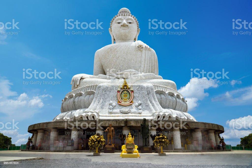 Die heiligen großen Buddha-Statue auf Nakkerd Hügeln auf der Insel Phuket - Thailand – Foto
