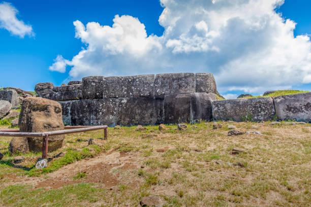 Die Inka-Wand des Ahu Vinapu – Foto