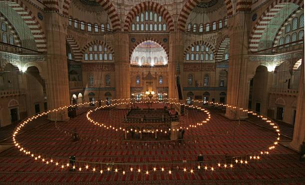 innenbereich des selimiye-moschee - edirne stock-fotos und bilder