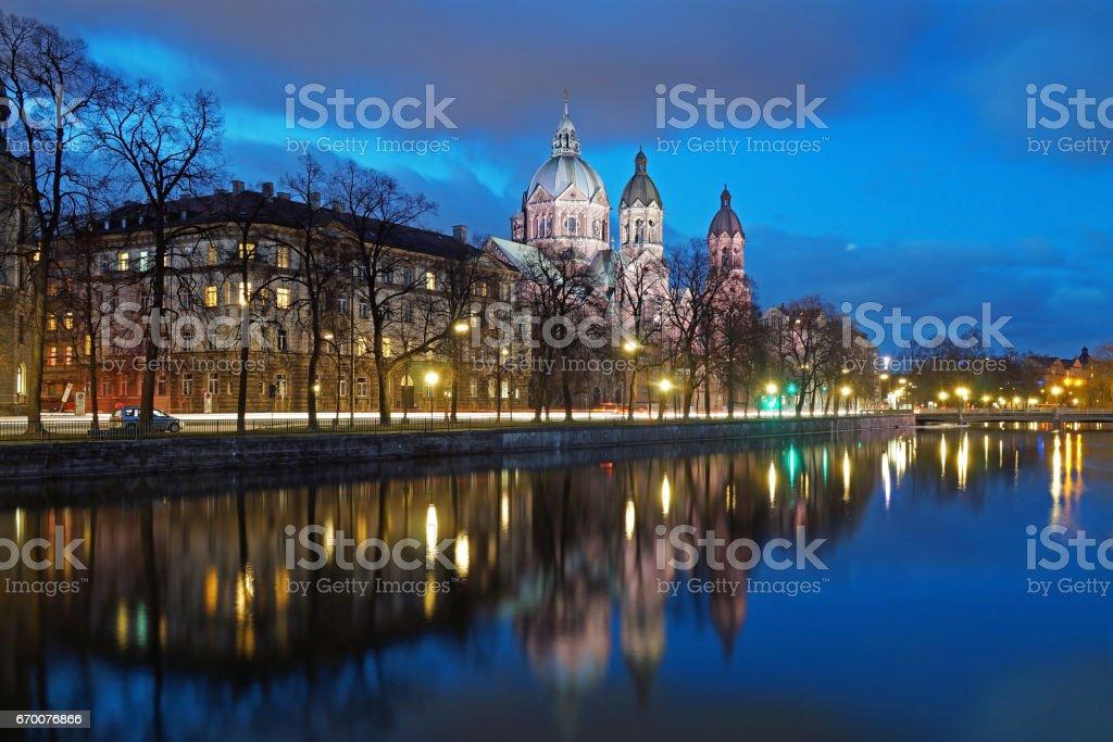 The Isar in Munich in the evening - Lizenzfrei Abenddämmerung Stock-Foto