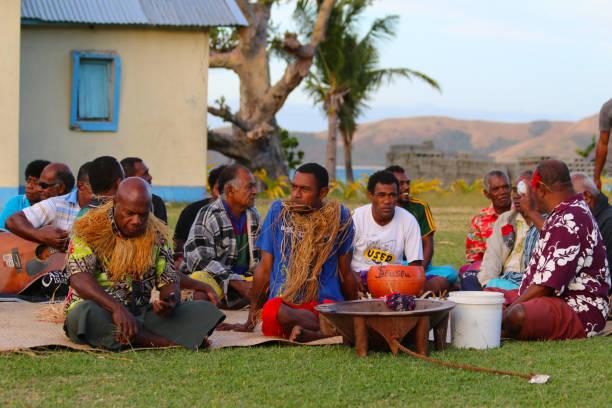 Die Kava-Zeremonie in einem Fidschi Dorf von Naviti Island, Yasawa, Fidschi – Foto