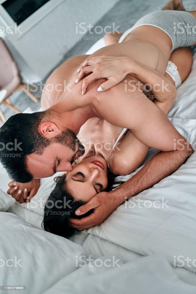Kissing sex pic