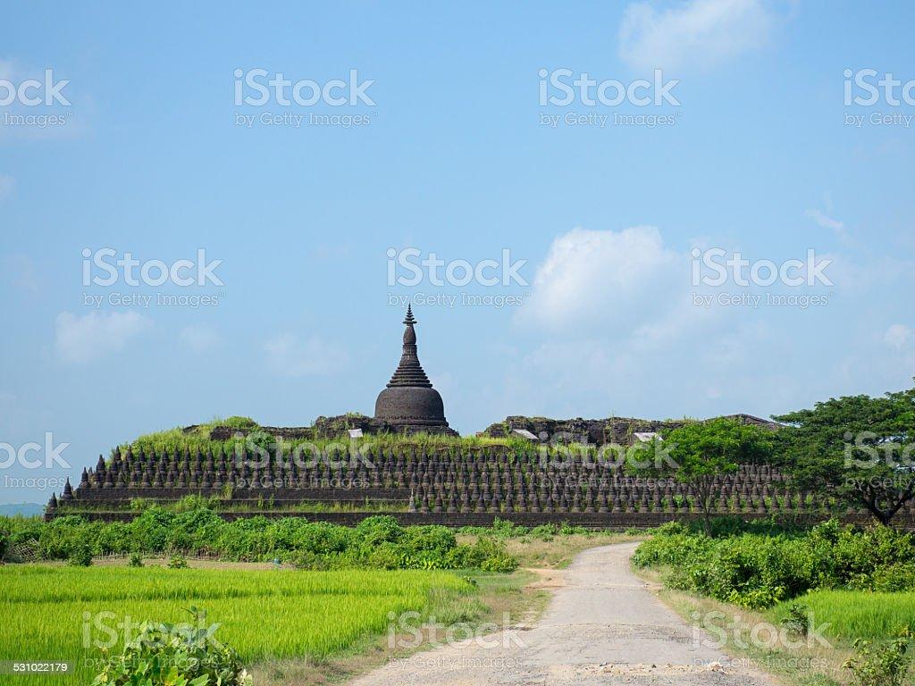 The Koe-thaung Temple in Mrauk U, Myanmar stock photo