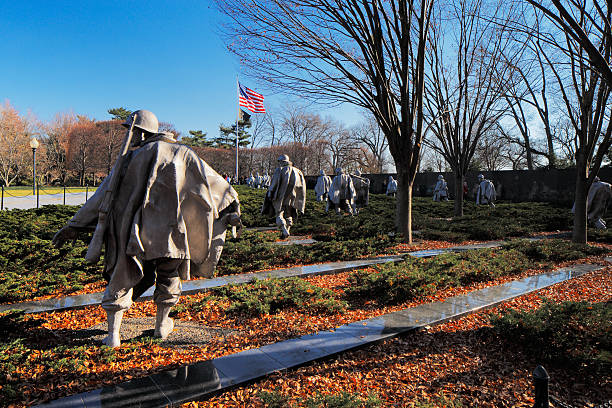 The Korean War Veterans Memorial in Washington DC, USA Washington DC, USA - November 29, 2013: The Korean War Veterans Memorial in Washington DC, USA. It commemorates those who served in the Korean War, located in West Potomac Park, southeast of the Lincoln Memorial. maryland us state stock pictures, royalty-free photos & images
