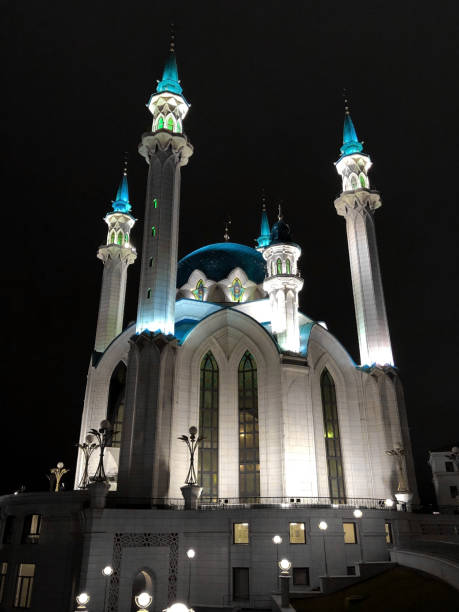 Die Kul Sharif Moschee im Kasaner Kreml in der Nacht – Foto
