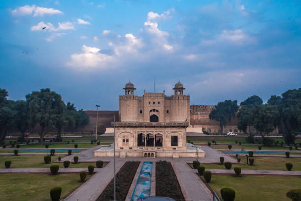The Lahore Fort, is a citadel in the city of Lahore, Punjab, Pakistan. The Lahore Fort, is a citadel in the city of Lahore, Punjab, Pakistan. The fortress is located at the northern end of walled city Lahore, and spreads over an area greater than 20 hectares. It contains 21 notable monuments, some of which date to the era of Emperor Akbar. lahore pakistan stock pictures, royalty-free photos & images