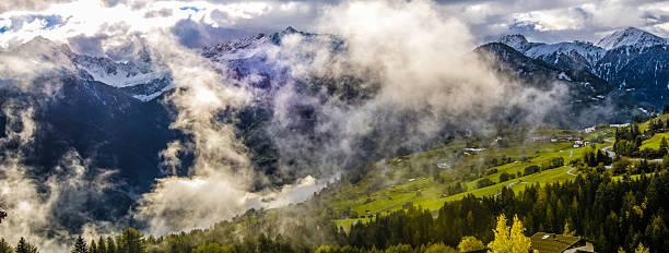 das land der tirol in österreich - fiss tirol stock-fotos und bilder