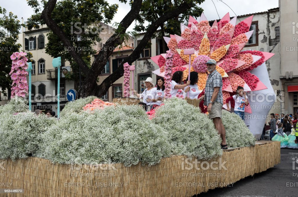 The Last Moments Before The Parade Work On Floral Float Decoration