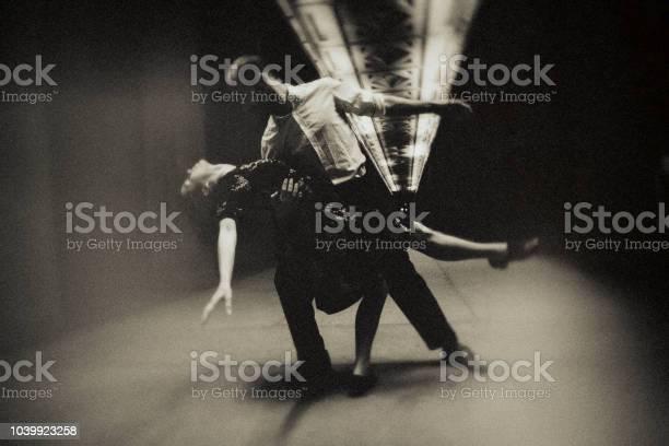 The last tango in berlin picture id1039923258?b=1&k=6&m=1039923258&s=612x612&h=u vnjbm1de9rdq2pfoeze 6urqp6prdc9itgtkr2hmy=