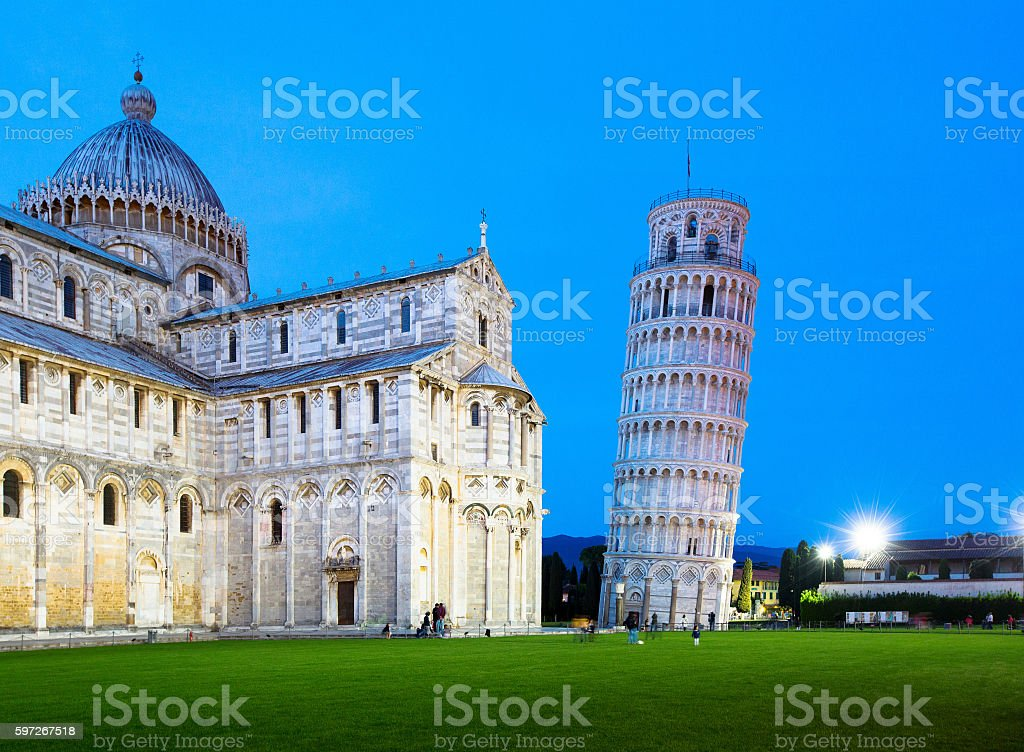 The Leaning Tower of Pisa and cathedral at dusk Lizenzfreies stock-foto