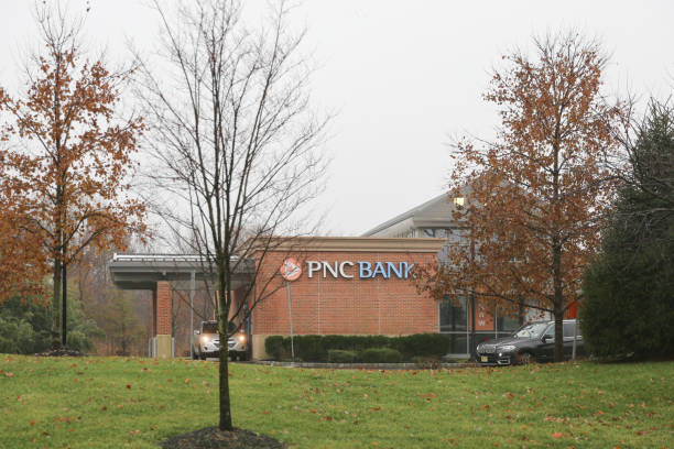 The local buildings of pnc bank in new jersey picture id1076713482?b=1&k=6&m=1076713482&s=612x612&w=0&h=3svqoby7wiye3med7pusrltfzqjhxwe8vcolb7yqujk=
