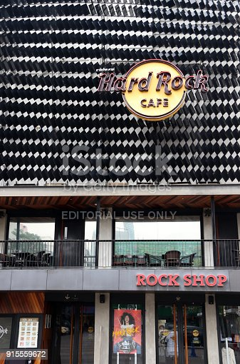 istock The logo sign and shop of Hard rock cafe at Siam square shopping center. 915559672