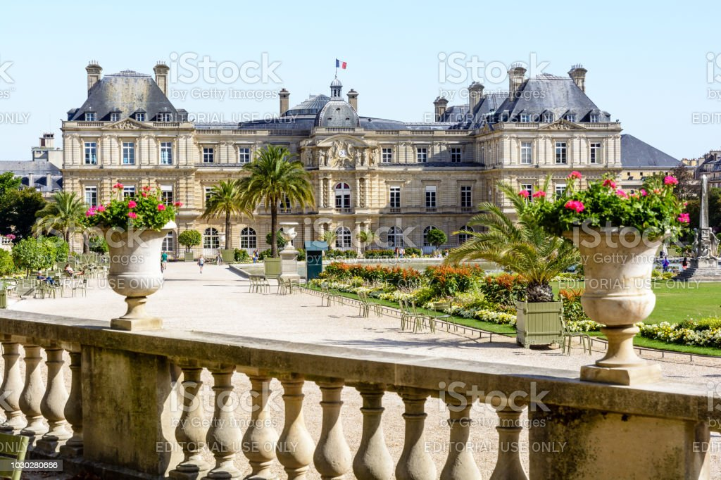 Photo Libre De Droit De Vue De La Facade Du Palais Du Luxembourg A
