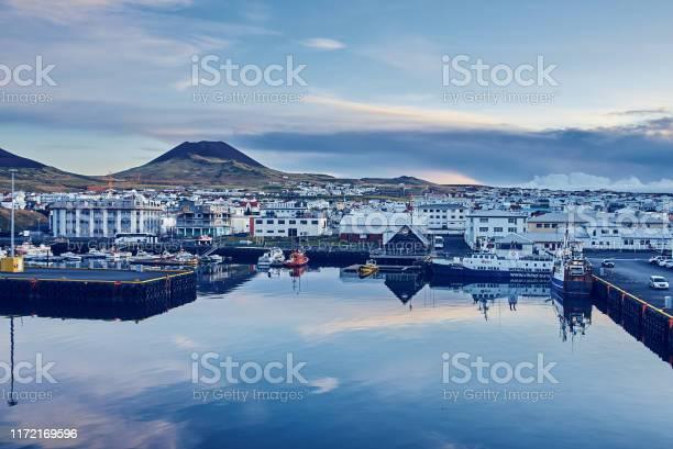Der Wichtigste Und Einzige Hafen In Vestmannaeyjar Island Stockfoto und mehr Bilder von Abenddämmerung