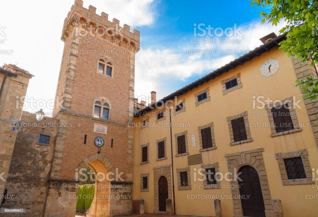 The main entrance of Bolgheri - foto stock