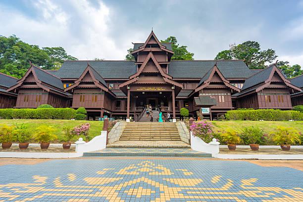 the malacca sultanate palace museum - malakka staat stockfoto's en -beelden