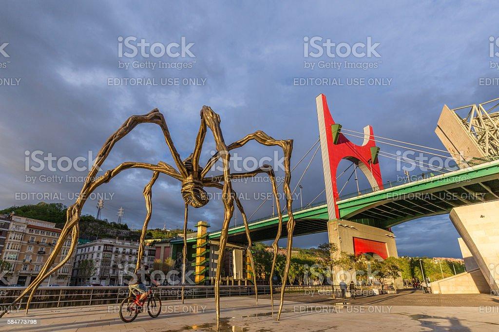 The Maman Sculpture in Bilbao Spain – Foto
