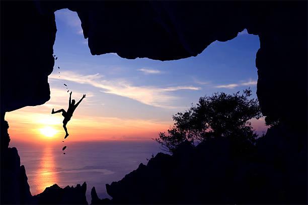 the man fell from a rock climbing. - die toteninsel stock-fotos und bilder