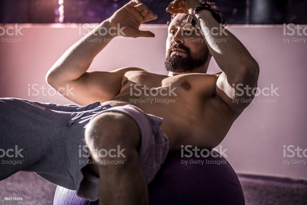 the man shakes press l foto de stock royalty-free