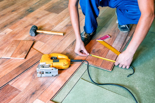 the master measures the laminate the master carpenter measures the laminate home improvement stock pictures, royalty-free photos & images