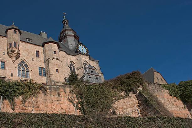 die mächtige castle - marburg uni stock-fotos und bilder