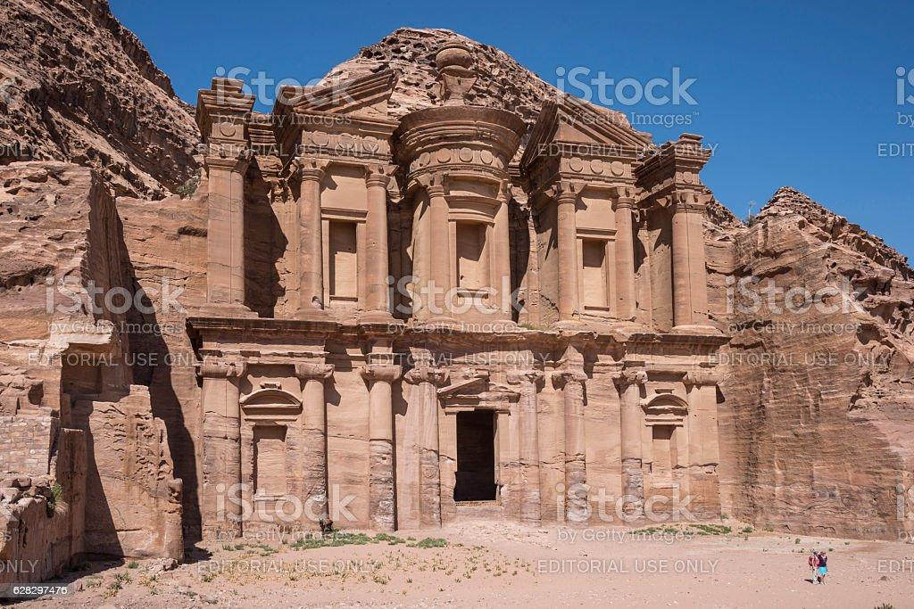 El Monasterio de Petra - foto de stock
