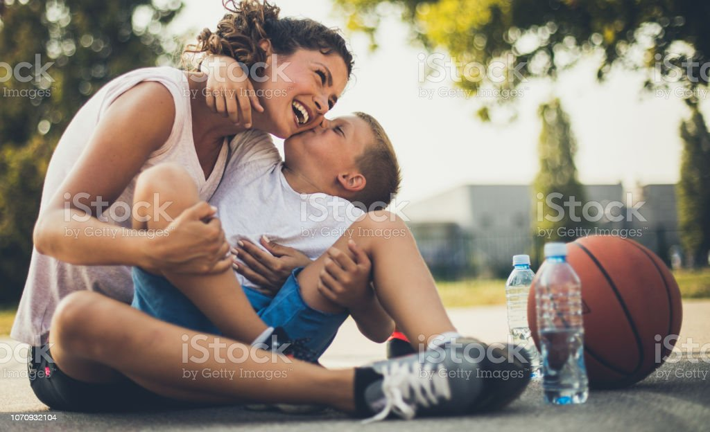 The most valuable kiss in the world. - Foto stock royalty-free di 6-7 anni