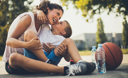 The Most Valuable Kiss In The World - Fotografie stock e altre immagini di 6-7 anni