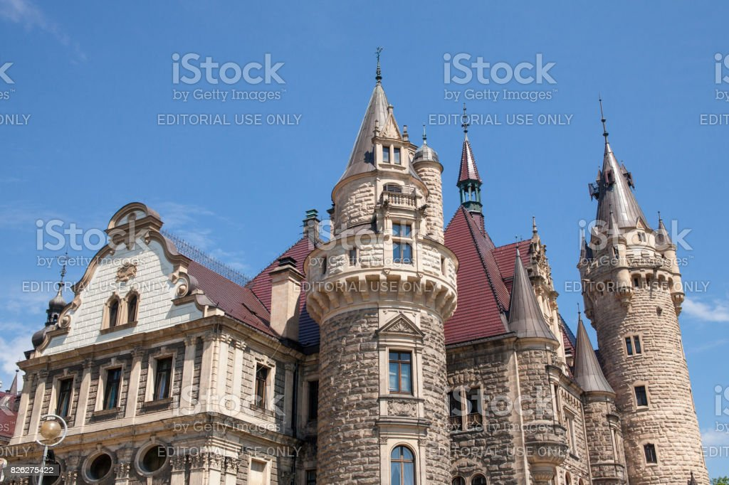 The Moszna Castle is a historic palace located in a small village in Moszna is one of the best known monuments in Upper Silesia. – zdjęcie
