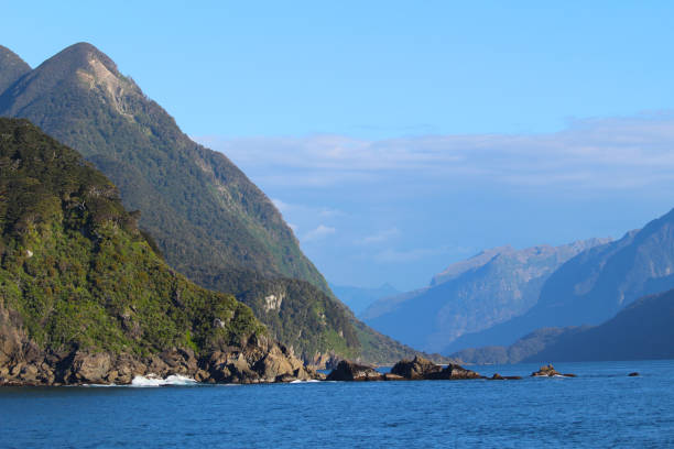 Der Mund der Doubtful Sound, Fiordland-Nationalpark, Südinsel, Neuseeland – Foto