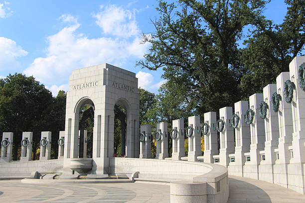 the national world war ii memorial - war memorial stock pictures, royalty-free photos & images