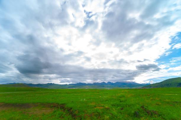 """plato--sichuan """"n üzerinde doğal sahne - ganzi tibet özerk bölgesi stok fotoğraflar ve resimler"""