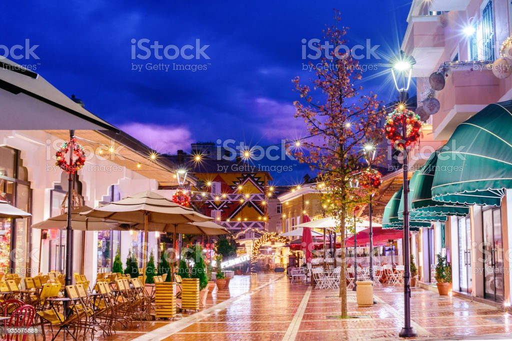 The New Bazaar in Tirana, Albania, sightseeing attraction – zdjęcie