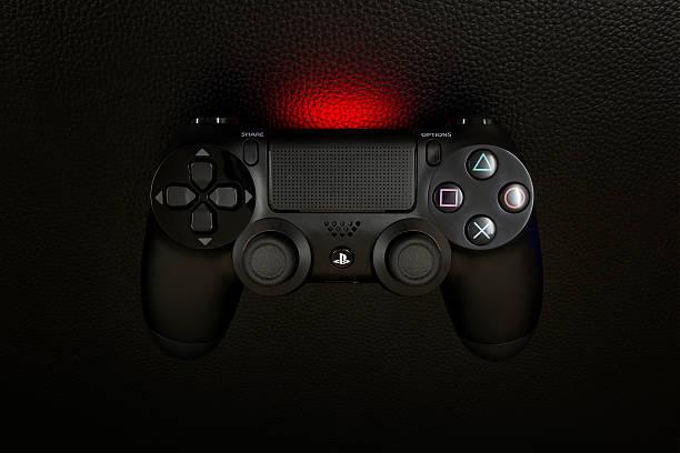 the new sony dualshock 4 black color - playstation stockfoto's en -beelden