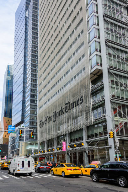 the new york times building in new york city - new york times stock-fotos und bilder