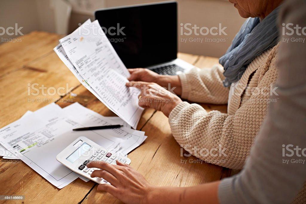 Следующие показатели являются следующие - Стоковые фото Активный пенсионер роялти-фри