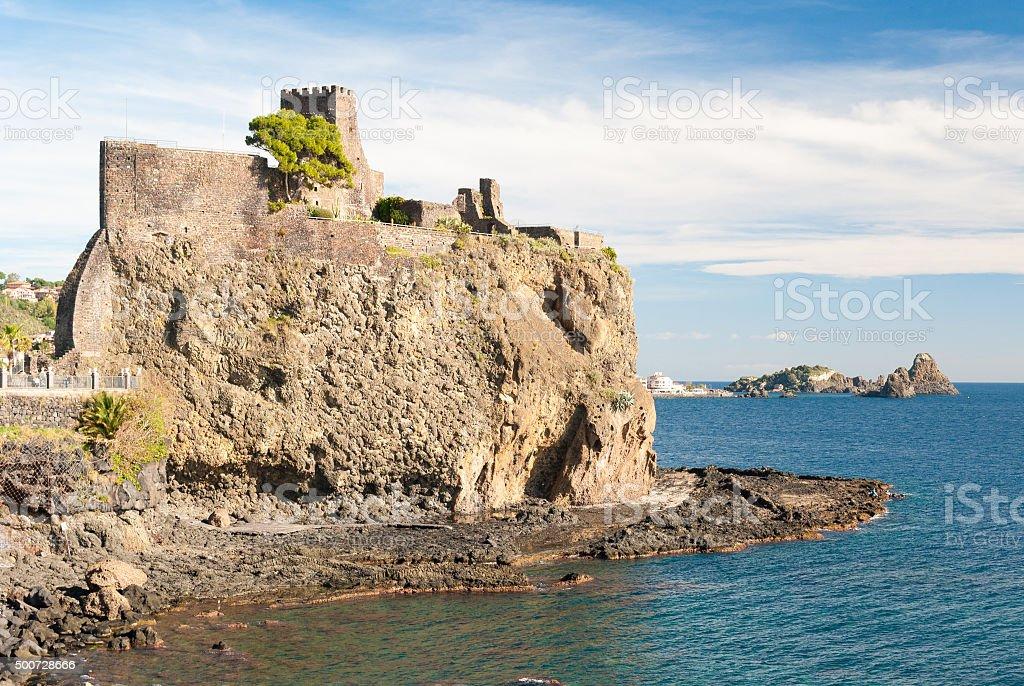 Il Castello normanno di Aci Castello - foto stock
