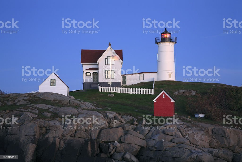 The Nubble Light At Night royalty free stockfoto