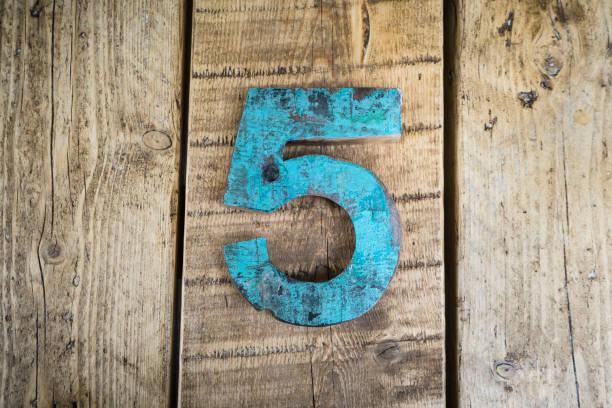 the number five - numero 5 foto e immagini stock